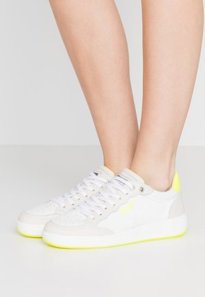OLYMPIA - Sneakers basse - yellow