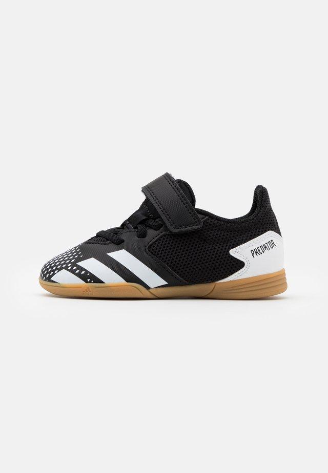 PREDATOR 20.4 FOOTBALL SHOES INDOOR UNISEX - Indendørs fodboldstøvler - core black/footwear white