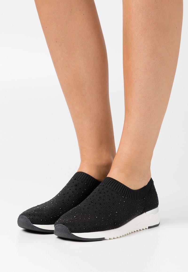 Caprice - WOMS SLIP-ON - Slip-ons - black