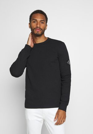 MONOGRAM BADGE TEE - Long sleeved top - black