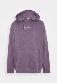 Karl Kani - SMALL SIGNATURE WASHED HOODIE UNISEX - Hoodie - purple - 0