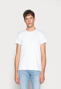 Samsøe Samsøe - KRONOS  - T-shirts basic - white - 0