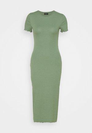 Pouzdrové šaty - dark green