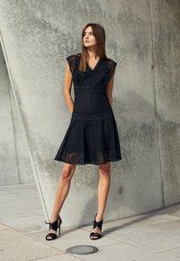 Pinko - SHANNON DRESS - Cocktail dress / Party dress - black - 4