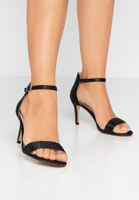 Dorothy Perkins - BESSIE HEATSEAL 2 PART  - Sandals - black - 0
