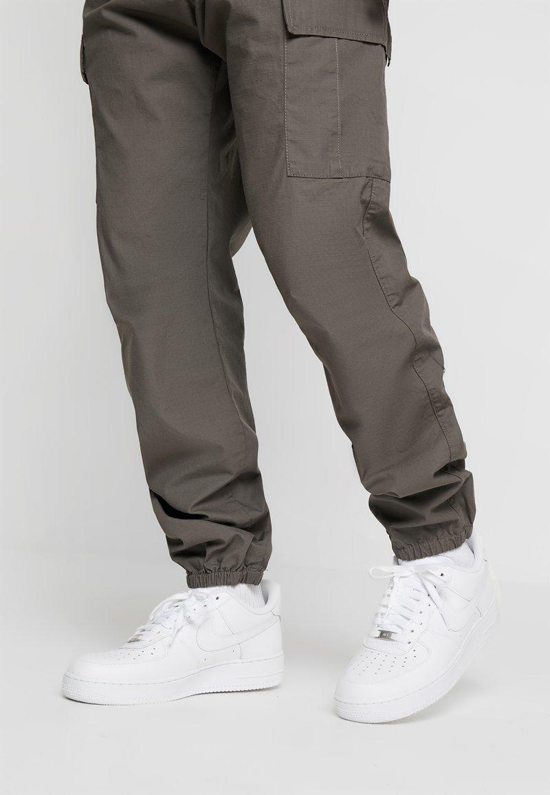 Nike Sportswear - AIR FORCE 1 '07 - Sneakers laag - white