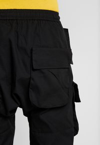 Sixth June - PANTS WITH MULTIPLE POCKETS - Cargo trousers - black - 5