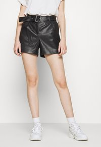ONLY - ONYPEONY YSABELLE - Shorts - black - 0