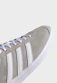 adidas Originals - JOGGER SHOES - Trainers - grey - 7