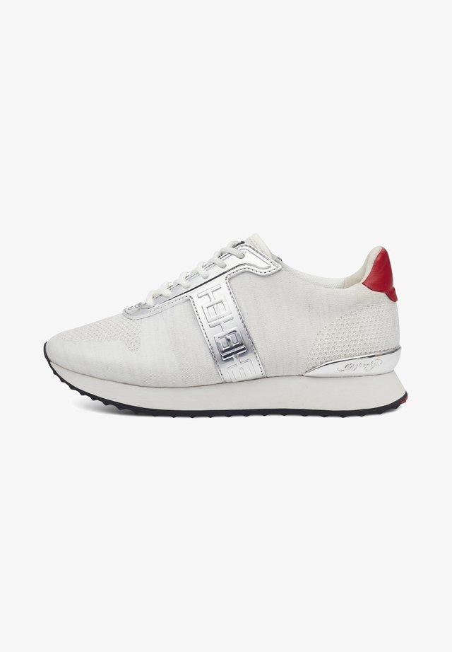 MONO RUNNER-METALLIC - Sneaker low - white