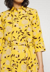 ONLY - ONLNOVA LUX  SHIRT DRESS - Skjortekjole - golden yellow/white - 4