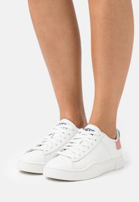 Diesel - S-CLEVER LOW LACE W - Trainers - white - 0