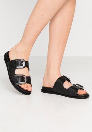 VMNOMI - Pantofle - black