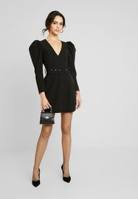 Nly by Nelly - BELTED PUFF DRESS - Cocktailkjole - black - 1