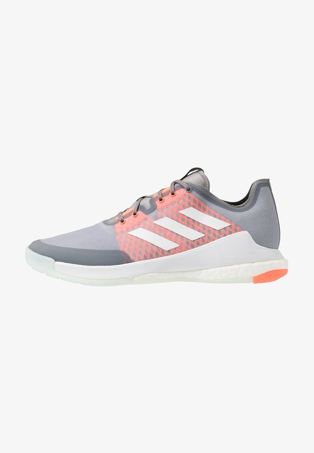 CRAZY FLIGHT BOOST INDOOR SPORTS SHOES - Lentopallokengät - grey three/footwear white/signal coral