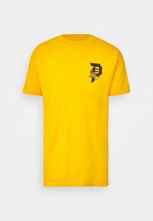 DIRTY SCORPION TEE - Print T-shirt - gold