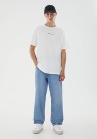 PULL&BEAR - WITH CONTRAST SLOGAN - Print T-shirt - white - 1