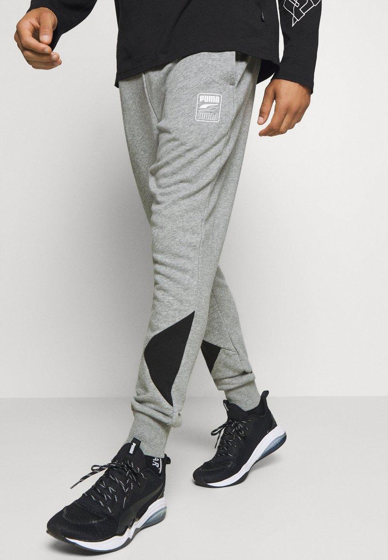 Puma - REBEL PANTS BLOCK - Pantalon de survêtement - medium gray heather