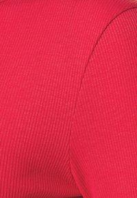 NU-IN - CUTOUT TIE BACK - Topper langermet - red - 2