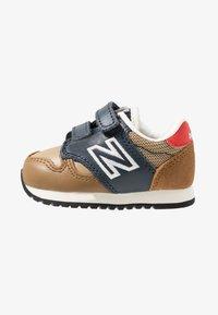 New Balance - IV520JB - Sneakers basse - brown/blue - 1