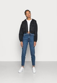 Pieces - PCKESIA MOM - Jeans relaxed fit - dark blue denim - 1