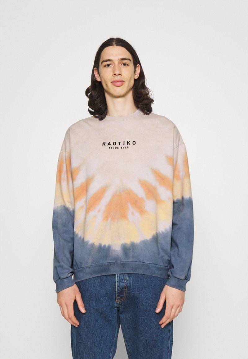 Kaotiko - CREW TIE DYE ENZO UNISEX - Sweatshirt - blue