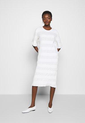 HELOSIS - Jumper dress - soft white