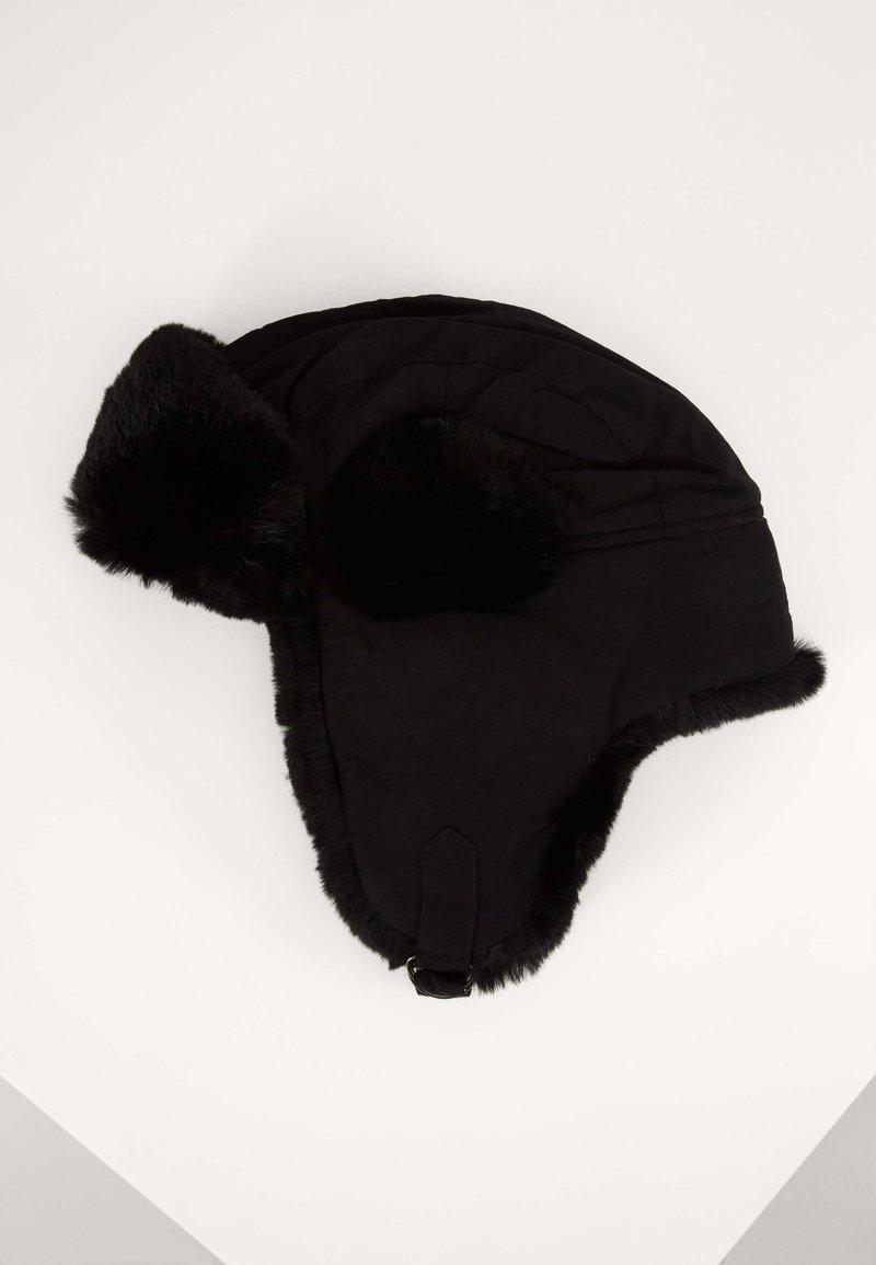 Urban Classics - TRAPPER HAT - Beanie - black