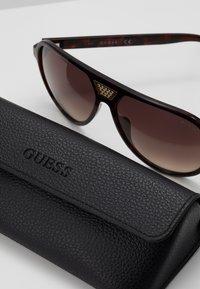 Guess - Sluneční brýle - black - 2