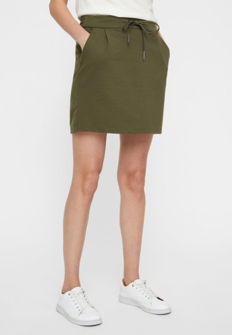 Vero Moda - VMEVA SHORT SKIRT NOOS - A-line skirt - ivy green