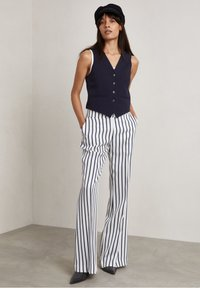 Hunkydory - RON - Trousers - true navy stripe - 0