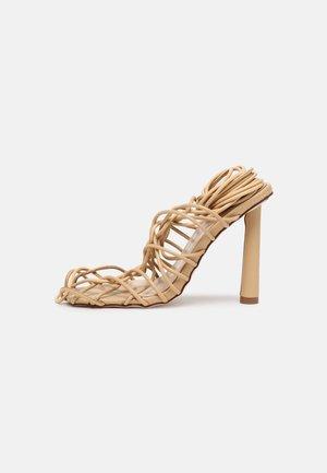 HYDEY - Sandály na vysokém podpatku - nude