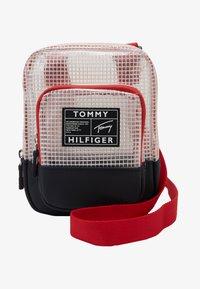 Tommy Hilfiger - YOUTH REPORTER - Skuldertasker - blue - 1