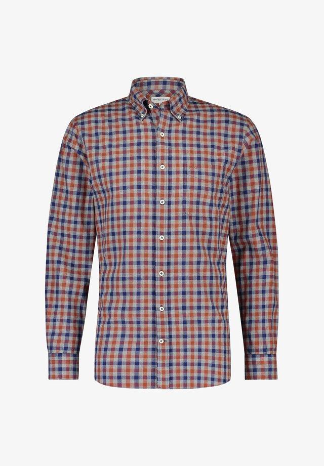 Shirt - squash orange