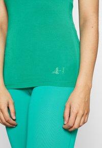 Curare Yogawear - RACERBACK  - Top - green lagoon - 4