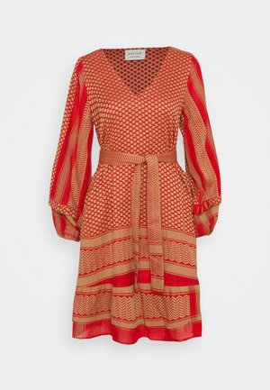 LIV - Day dress - camel/red