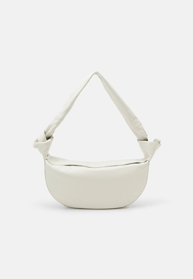 DOUBLE KNOT BAG - Käsilaukku - cream