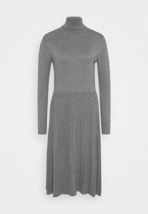 FLARE DRESS - Sukienka dzianinowa - mid grey heather