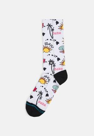 ARCHIPELAGO - Socks - white