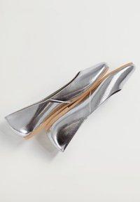 Mango - BANICO - Ballet pumps - silber - 4