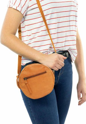 TANJA - Across body bag - cognac