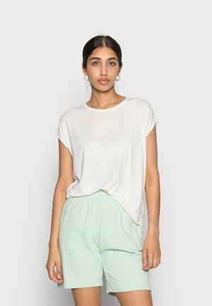 VMAVA PLAIN - Basic T-shirt - snow white