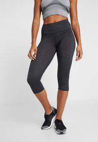 Cotton On Body - ACTIVE CORE CAPRI - 3/4 sports trousers - charcoaly - 0