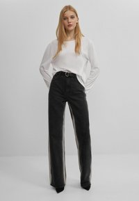 Bershka - Jeans bootcut - black - 1