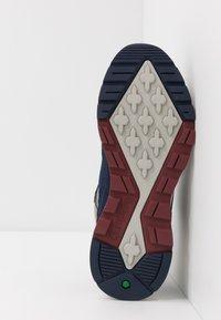 Timberland - FIELD TREKKER - Sneaker low - navy - 4