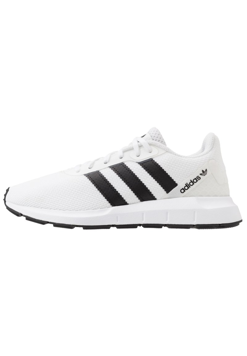 adidas Originals - SWIFT RUN - Sneakers - ftwwht/cblack/ftwwht
