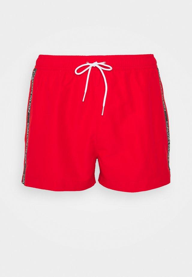 CORE LOGO TAPE DRAWSTRING - Zwemshorts - fierce red