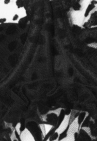 Le Petit Trou - ANISSA BRA - Kaarituelliset rintaliivit - black - 2