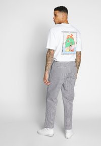 Obey Clothing - HARDWORK PANT - Chino kalhoty - white multi - 2