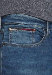 Tommy Jeans - AUSTIN SLIM - Slim fit -farkut - wilson mid blue - 3